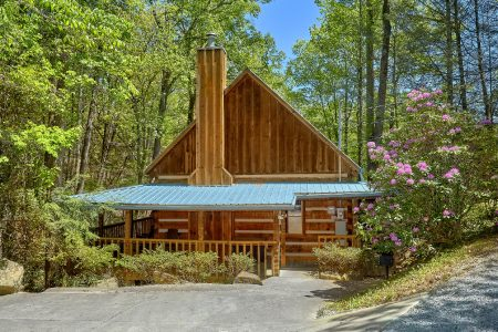 Mountain Retreat Kimbles: 1 Bedroom Pigeon Forge Cabin Rental