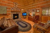 Rustic 1 Bedroom Cabin with a fireplace