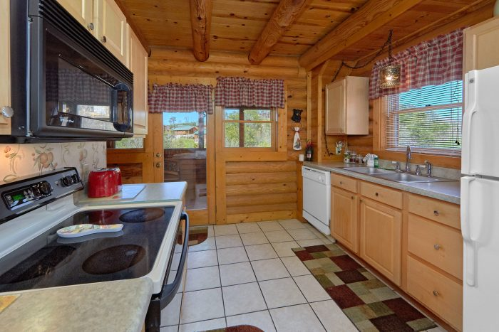 Smoky Mountain 2 Bedroom Cabin with Full Kitchen - Dainty's Digs