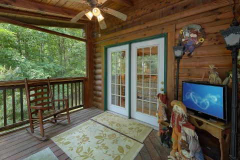 Covered Deck with Rocking Chairs 2 Bedroom - Dancing Bear VII