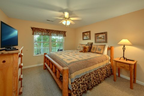 Vacation Rental with 2 king bedrooms and baths - Dancing Bears