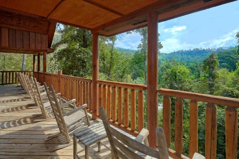 Hidden Springs 5 Bedroom cabin with Wooded View - Deer To My Heart