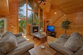 5 Bedroom Cabin with Fireplace and Wooded View