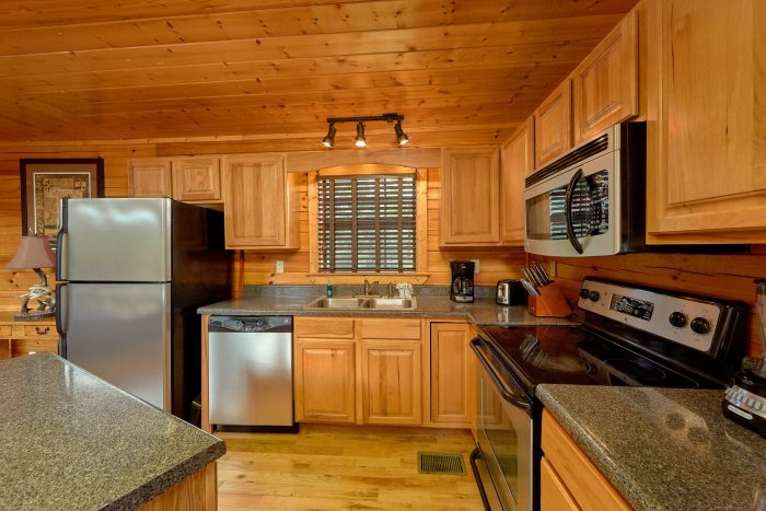 5 Bedroom cabin with a Full Kitchen - Deer To My Heart