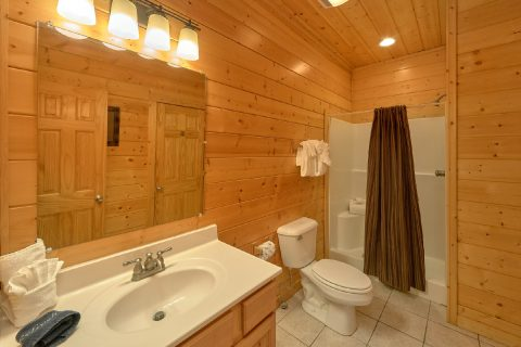 5 bedroom cabin with 3 Private bathrooms - Deer To My Heart