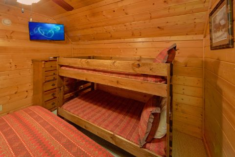 Group Size cabin with bunk beds and 5 bedrooms - Deer To My Heart