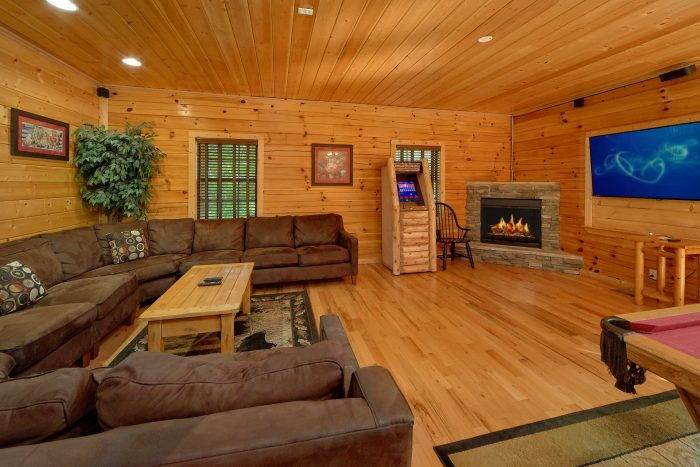 Family Size cabin with Pool Table and Games - Deer To My Heart