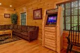 5 bedroom cabin with Game room and Arcade Games