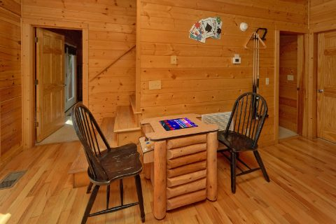 Rustic Cabin with Pool table and 2 Arcade Games - Deer To My Heart