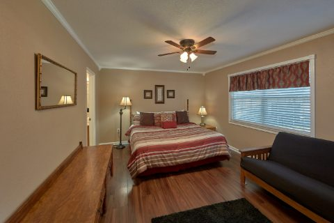Master Bedroom with King Bed and Futon - Dew Drop Inn at Creekwalk