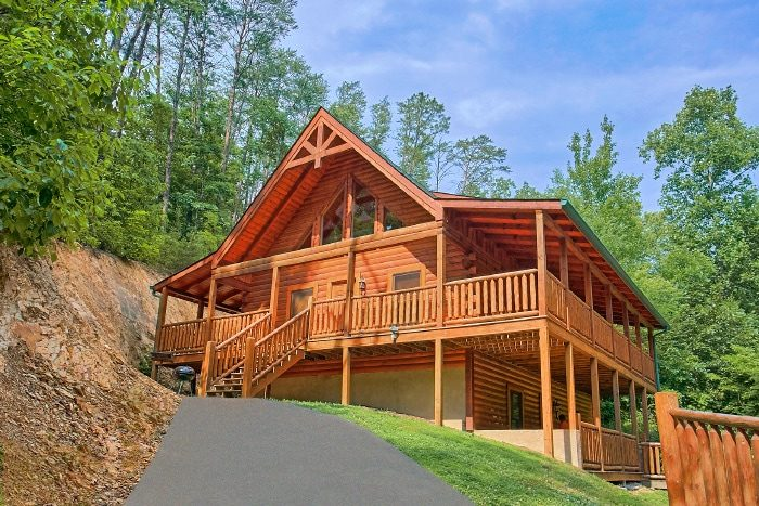 Large 3 Bedroom Cabin with flat Parking - Dew Drop Inn
