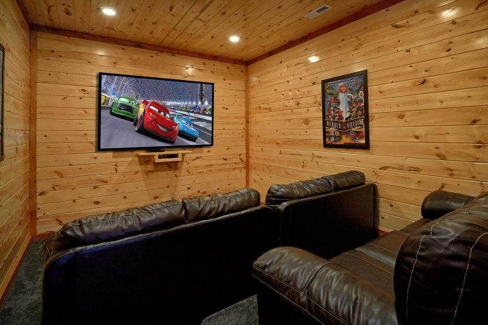5 Bedroom Cabin with a Theater Room - Dive Inn