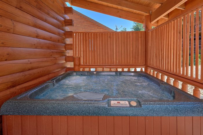 5 Bedroom Cabin with a Hot Tub - Dive Inn