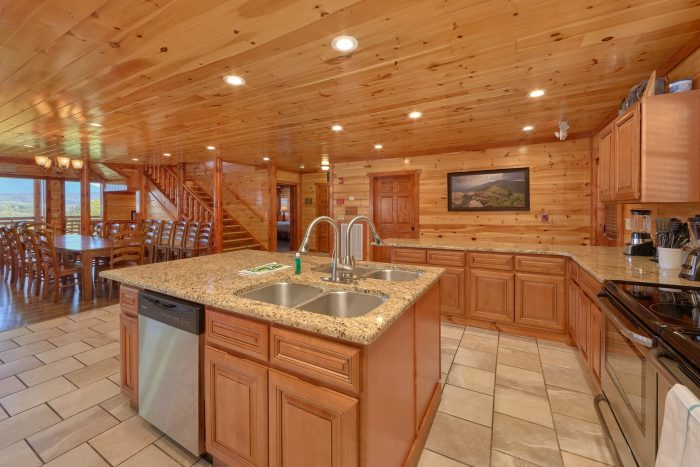 12 bedroom cabin with large kitchen for 54 - Dream Maker Lodge