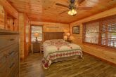 Spacious 12 bedroom cabin with 11 King beds