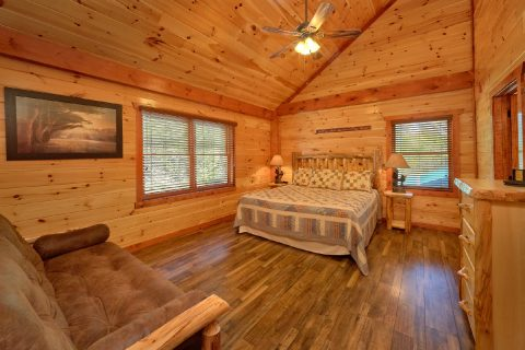 Luxury Cabin with 11 King beds and 11 futons - Dream Maker Lodge
