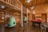 Cabin with Treehouse Bunk beds and game room