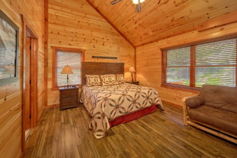 Cabin Rental with 12 Private bedrooms and baths - Dream Maker Lodge