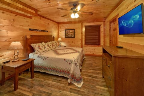 Group size cabin with King Beds and sleeper sofa - Dream Maker Lodge
