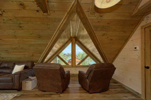 Sittin Area and Extra Sleeping Open Loft - Dream Mountain Cove
