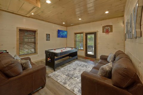 4 Bedroom 4 Bath Cabin with Game Room - Dream Mountain Cove