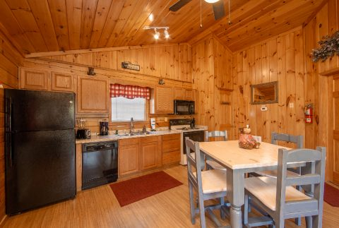 Cabin with king bed and bedside jacuzzi - Dreams Come True