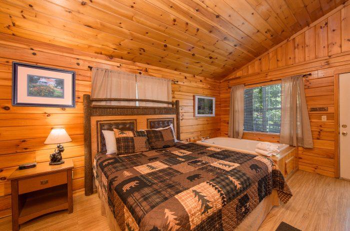 Cabin with private bedroom jacuzzi - Dreams Come True