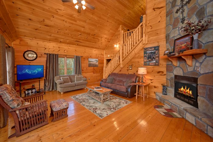 1 Bedroom Cabin with Fireplace - Dutch's Den