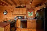 Pigeon Forge Cabin with Full Kitchen