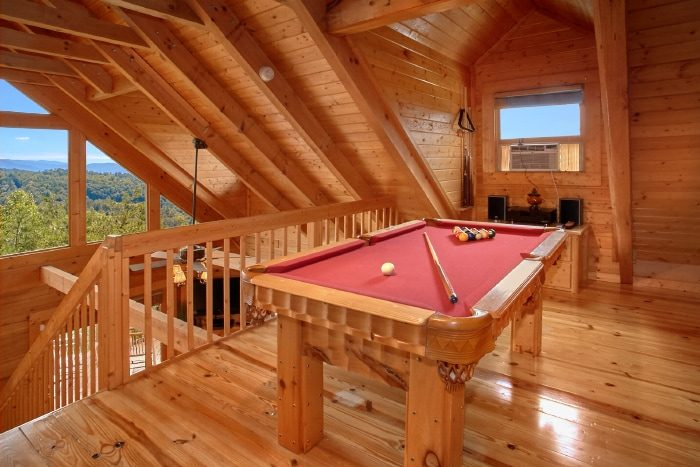 Cabin with Pool Table and Game Room - Eagle's Crest