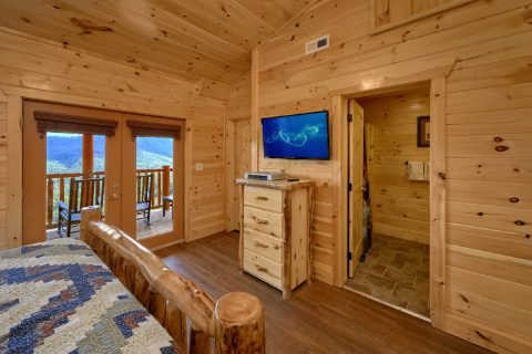 Master Bedroom with Private Bath and Views - Elk Ridge Lodge