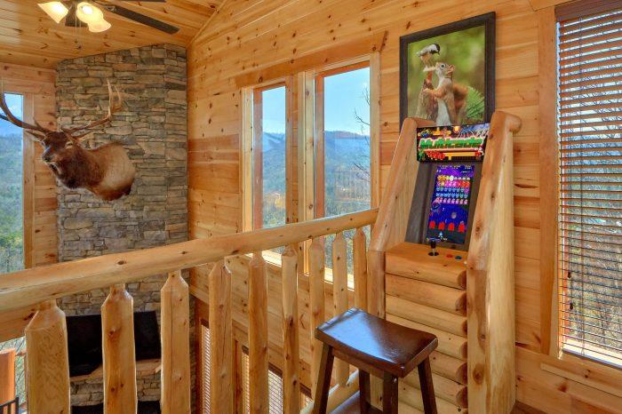 Premium 5 bedroom cabin with 2 Arcade Games - Elk Ridge Lodge