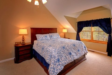 Comfortable 5 Bedroom Cabin Sleeps 14 - Elkhorn Lodge