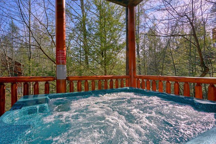 Private Hot Tub 5 Bedroom Cabin in Gatlinburg - Elkhorn Lodge