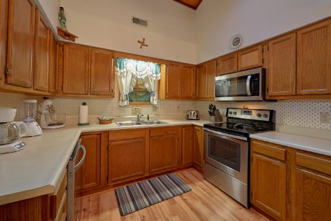 Fully Equipped Kitchen 3 Bedroom Cabin - Emerald View
