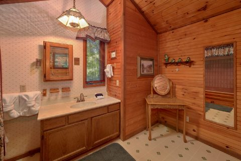3 Bedroom 2 Bath Cabin Sleeps 10 - Emerald View
