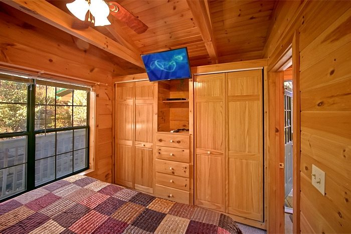 cabin with bedroom TV - Enchanted Moment