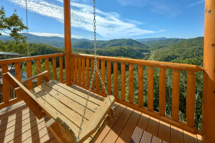 Luxurious 5 bedroom cabin with Mountain Views - Endless Sunsets