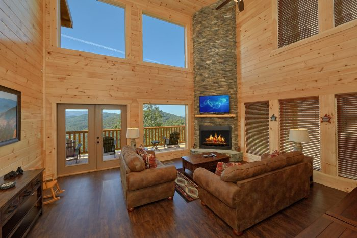 Premium cabin rental with Stone Fireplace - Endless Sunsets
