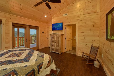 Premium cabin with 4 King Master Suites - Endless Sunsets