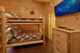 Bunk bedroom for 8 in luxury cabin with pool