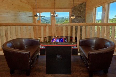 Luxury Cabin with Arcade game and Pool Table - Endless Sunsets