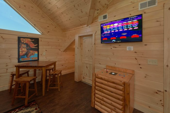 Luxurious cabin with Golden Tee Arcade Game - Endless Sunsets