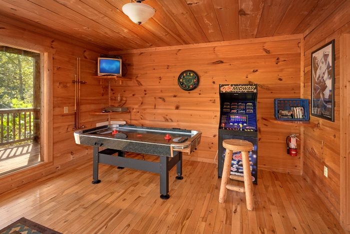 3 Bedroom Cabin with Arcade Game and Air Hockey - Falcon Crest