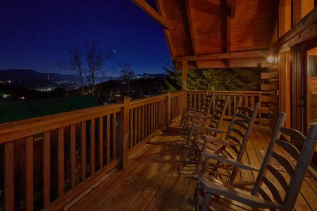 Whyde-Robbin's Roost: 2 Bedroom Sevierville Cabin Rental