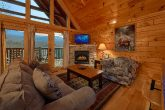 2 bedroom cabin with Sleeper sofa and fireplace