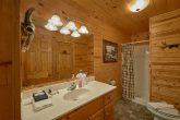 2 private baths in 2 bedroom cabin