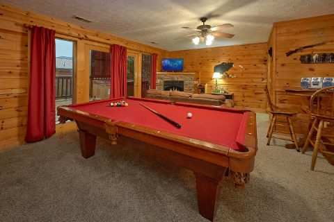 2 bedroom cabin with pool table and game room - Fireside View