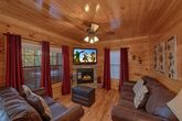 4 bedroom cabin with 2 Fireplaces & Sleeper sofa