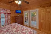 King bedroom with private Deck 4 bedroom cabin